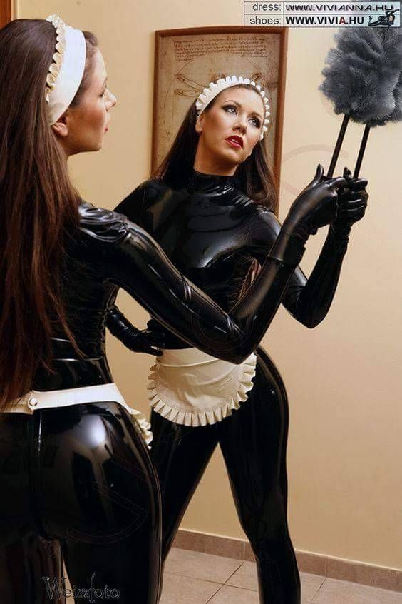 37318132c0 Pin na nástěnce Catsuit - Latex