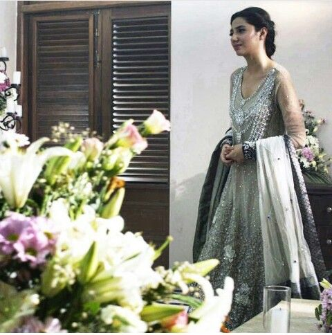 Pakistani actor Mahira Khan in a scene from her film 'Bin Roye' wearing Èlan.