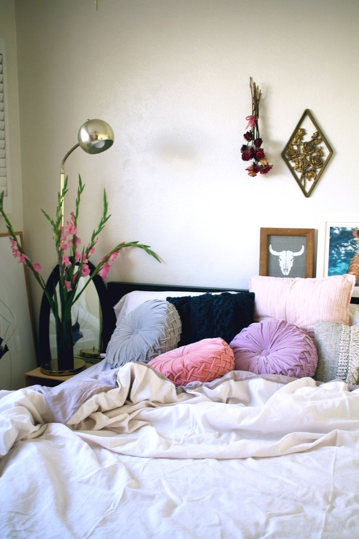 1000 images about bedroom on pinterest urban outfitters duvet covers and magical thinking Urban outfitters bedroom lookbook