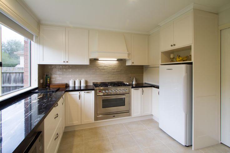 Large traditional kitchen with granite benchtops. www.thekitchendesigncentre.com.au @thekitchen_designcentre