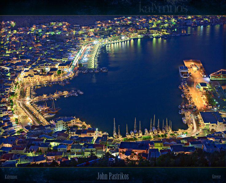 Το λιμάνι της Καλύμνου, ἐν νυκτὶ -  Kalymnos port by night