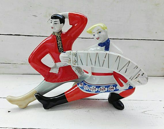 Check out this item in my Etsy shop https://www.etsy.com/ru/listing/518930980/collectible-figurine-ussr-figurine-gift