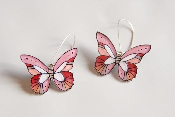 Pink butterfly dangle earrings Butterfly by lacravatteduchien, €15.00