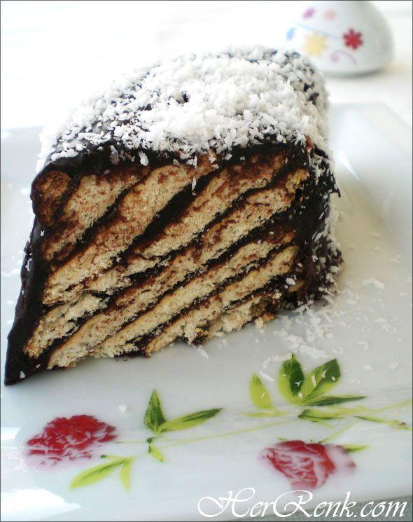 Kiremit Ya Da Piramit Pasta-çikolata soslu bisküvi pastası,bisküvili pasta tarifleri,kolay,mozaik pasta,bisküviyle yapılan pasta tarifleri,kiremit pasta tarifleri,yapılışı,pasta malzemeleri,bisküviyle yapılan kolay tatlılar,edep,illa edep,
