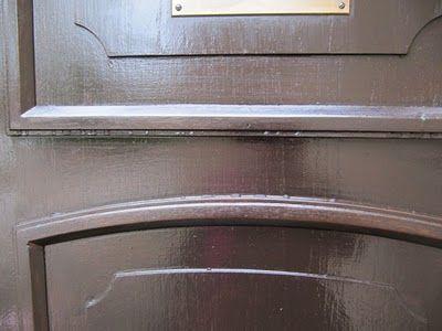 Ulko-oven lakkaaminen, valmista pintaa.