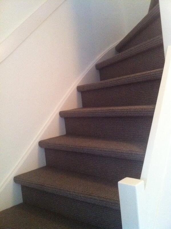Mooie trap gestoffeerd met #Desso tapijt