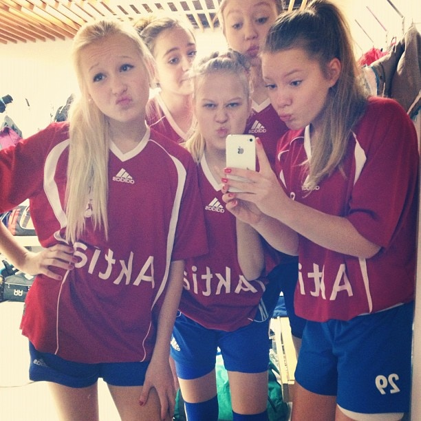Floorball duckfaces..