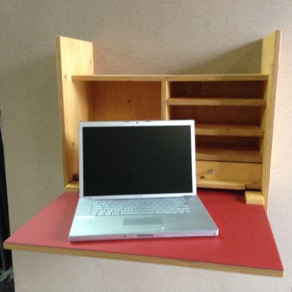 Moderner Sekretär Zur Montage An Der Wand. Wird Einfach Mit Zwei Schrauben  Befestigt. Kann Wie...,Wand   Sekretär, Schreibtisch, Telefonschränkchen,  ...