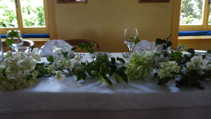 Table set the Fairies Garden White Buganvilias and Jars