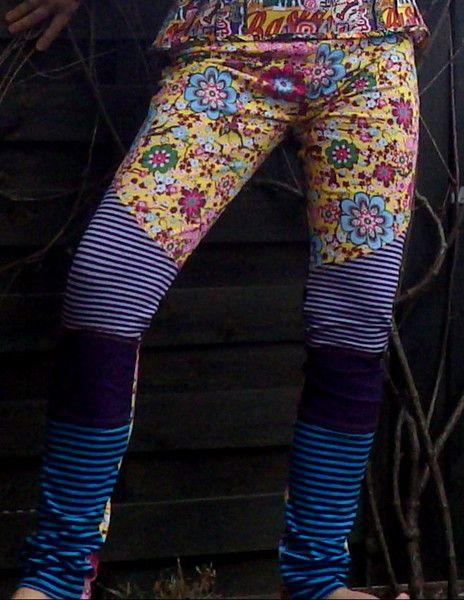 Leggings - Handmade Leggings Flowers - ein Designerstück von Die-Revoluzzerin bei DaWanda