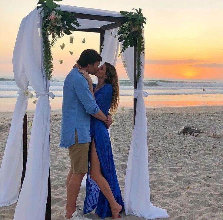 look de gisele bundchen e do seu marido Tom Brady para o casamento da irmã mais nova Rafaela ellegancy costuras www.elcosturas.com.br #casamentonapraia #casamentodecelebridade #ajusteemvestidodenoiva