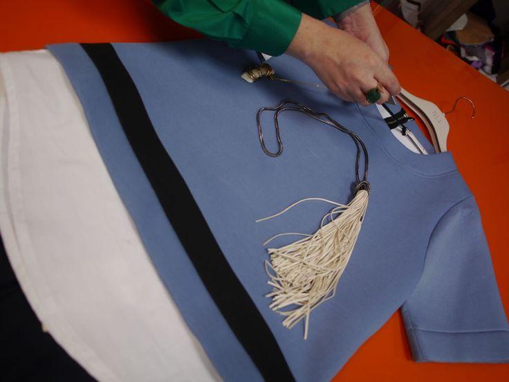 Dressed for success . Curator: María Fernanda Hernández. Designer: Scarf & Skirt - TELA