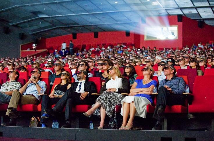 Lekker naar de bios! CineMec is een luxe 3D-bioscoop met de allernieuwste films.