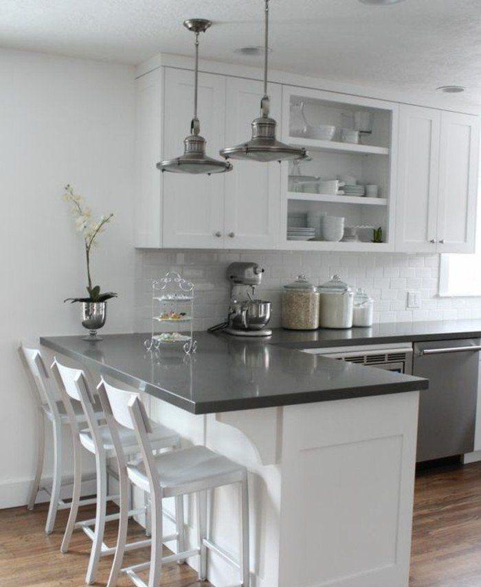 couleur peinture cuisine blanche, carrelage blanc, décor sobre en blanc et gris