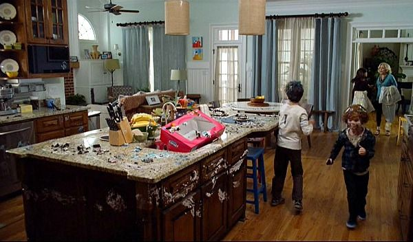 White House in Atlanta from Parental Guidance movie (14)