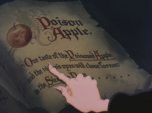 Love thisThe Queens, Disney Princesses, Hallows Eve, Apples Recipe, Evil Queens, Classic Disney, Fairies Tales, Disney Villains Poison Apples, Snow White
