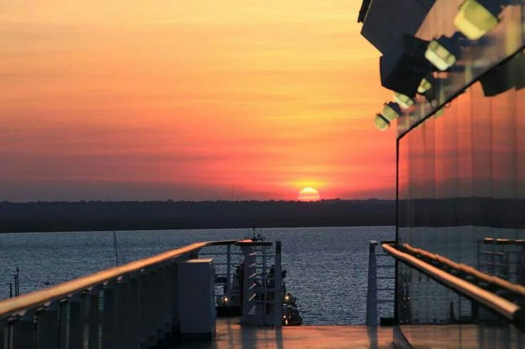 Sunrise @ Darwin, Northern Territory by Amanda Paul