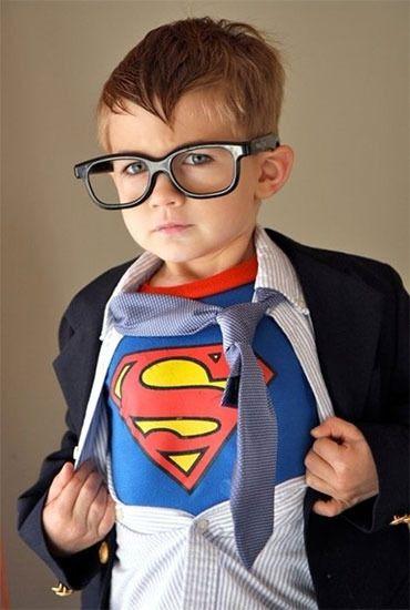 un disfraz de superman con un puntito mucho más cool