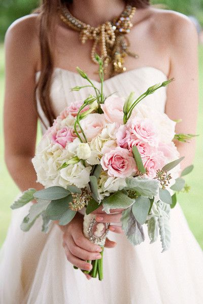Roses + Greenery #WeddingBouquet I Christa Elyce Photography I http://www.weddingwire.com/biz/christa-elyce-photography-humble/portfolio/e273d8845650458f.html