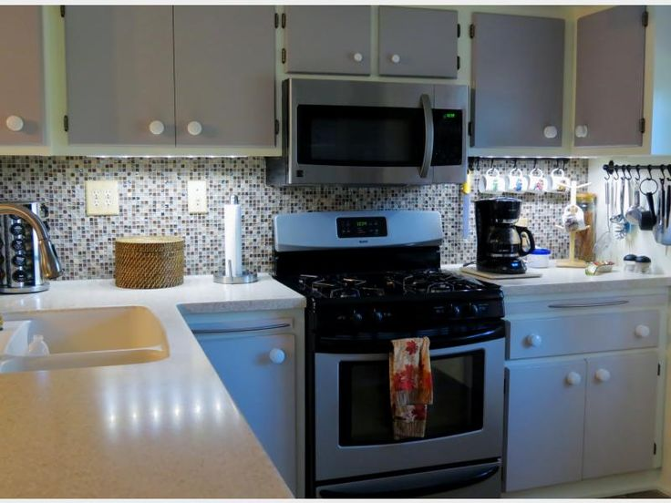 Glass Tile Store Customer Donna Shipley Selected The Alloy Weathered  Leather X Glass And Marble Tiles For Her Kitchen Backsplash Installation.