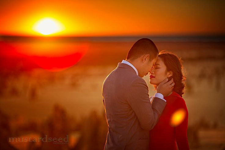 Hi everyone! It has been a while since my last update, call it my personal winter break; but I'm back, and will be ramping up in the following months with beautiful wedding photos to share! Here's another gorgeous photo of Jason and Shelley from their pre-wedding shoot at the Pinnacles during sunset