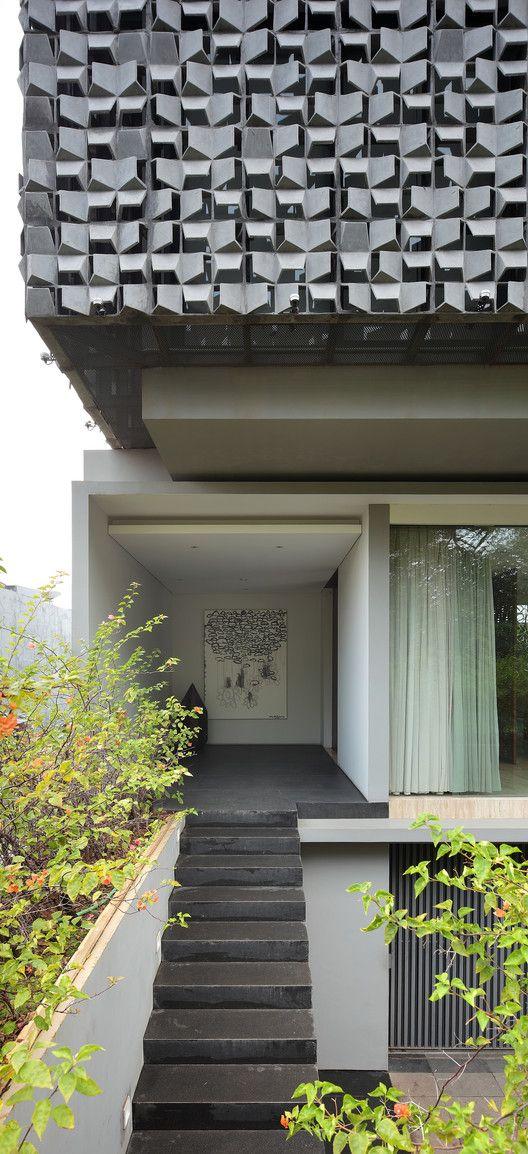 Gallery of SH House 2 STUDIOKAS