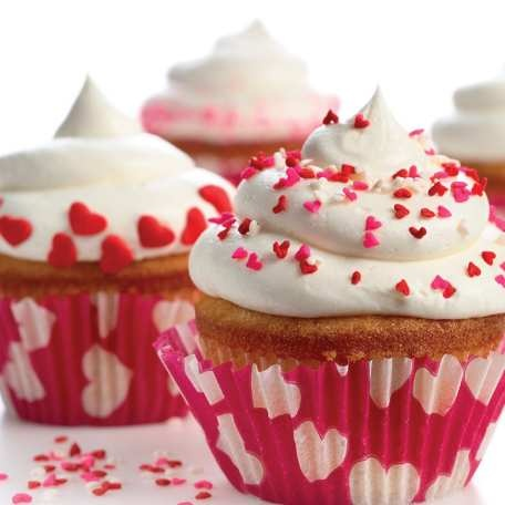 Vanilla Buttercream Frosting - the perfect way to dress up a cupcake! #bakingwithlove