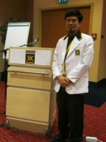 Ketua Pusat Informasi dan Pelayanan PKS di Inggris, Hendri Lucky, mengatakan para kader PKS di Inggris siap mendukung semua aktivitas PKS di Tanah Air untuk menembus tiga besar di Pemilu 2014.