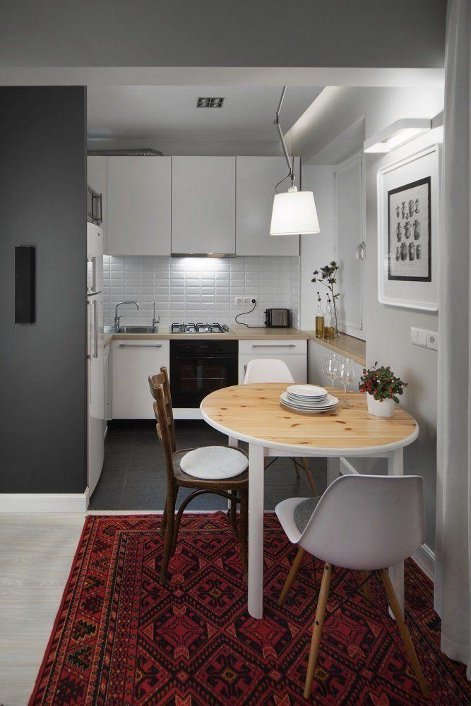 Фотография:  в стиле , Кухня и столовая, Скандинавский, Eames, Белый, Проект недели, Москва, Бежевый, Серый, ИКЕА, Tikkurila, маленькая кухня, плитка кабанчик, как объеденить кухню с гостиной, идеи планировки маленькой кухни, кухня в хрущевке, как обустроить кухню в хрущевке, малометражная кухня, кухня площадью 6 квадратных метров, планировка маленькой кухни, планировка узкой кухни в хрущевке, кухня-гостиная дизайн, интерьер кухни, кухня-гостиная в типовой квартире, Максим Тихонов…