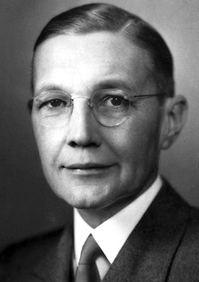 """Herbert Spencer Gasser, The Nobel Prize in Physiology or Medicine 1944: """"for their discoveries relating to the highly differentiated functions of single nerve fibres"""", neurophysiology"""
