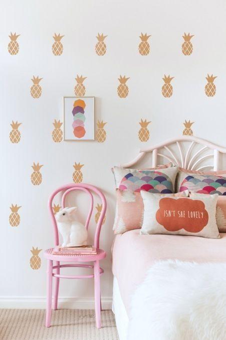 Gold pineapple wall sticks