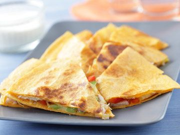 Chicken Quesadilla - Gluten Free (with corn tortillas) For a non-GMO version (sans corn) use a gluten-free, corn-free tortilla shell like Rudi's Gluten-Free Plain Tortillas. . ☀CQ #GF #glutenfree