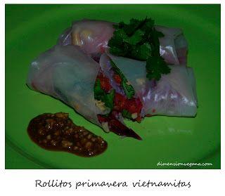 Rollitos vietnamitas y pudín de arroz negro Tai con coco | La Dimensión Vegana