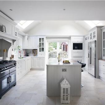 Kitchen in Cornforth White, Farrow and Ball