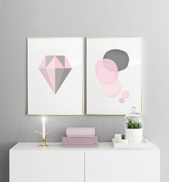 Tavelcollage, Två posters i strl 50x70cm i guldramar. Rosa färgtoner. Diamant och abstrakt.