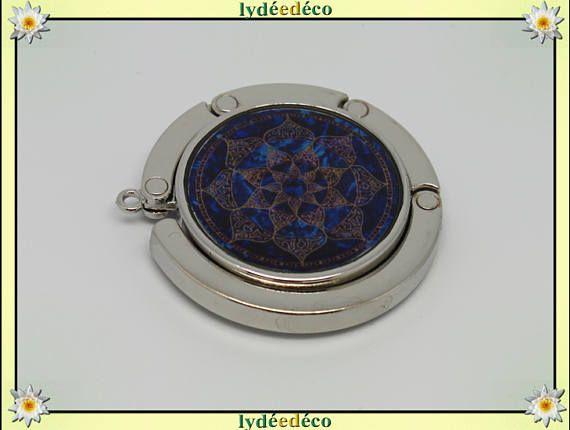 Accroche sac a main Arabesques métal et resine motif marron