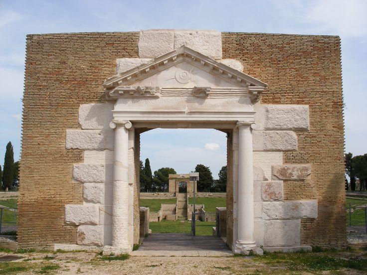 Anfiteatro romano-augusteo