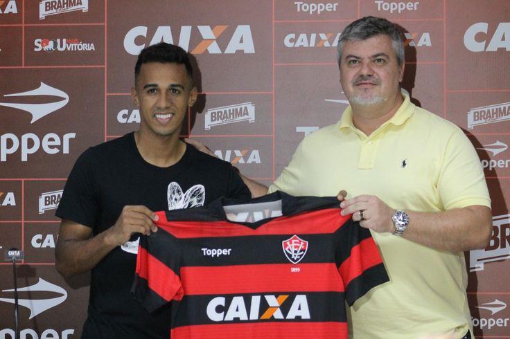 Ex-Figuerense e Palmeiras, lateral-esquerdo estava no futebol do Cazaquistão e foi apresentado pelo Rubro-Negro nesta quinta-feira. Nome do jogador ainda não foi publicado no BID