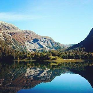 Una maravillosa tarde en #PuertoBlest!  Podes reservar está y  muchas más #excursiones en #toursbariloche. #ToursOnline  #ToursOnline #tours #travel #trip #landscape #Bariloche #Argentina http://tipsrazzi.com/ipost/1523548283337745465/?code=BUkuxdygKQ5