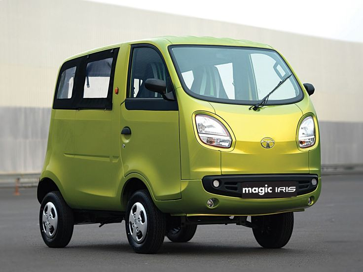 Нуразве непрелесть? Tata Magic Iris— название-то какое, мистическо-романтическое! Это жеигрушка, ане автомобиль! Причем аналогии сдетской машинкой вполне уместны: этот микровэн оснащен 11-сильным двигателем, расположенным сзади, инеездит быстрее 55км/ч. Впрочем, ехать натаком явно приятнее, чем нарикше.