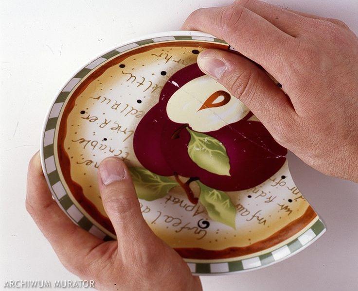 Po latach powróciła moda na dekorowanie wnętrz starymi porcelanowymi talerzami. Co zrobić, gdy krucha porcelana zostanie uszkodzona