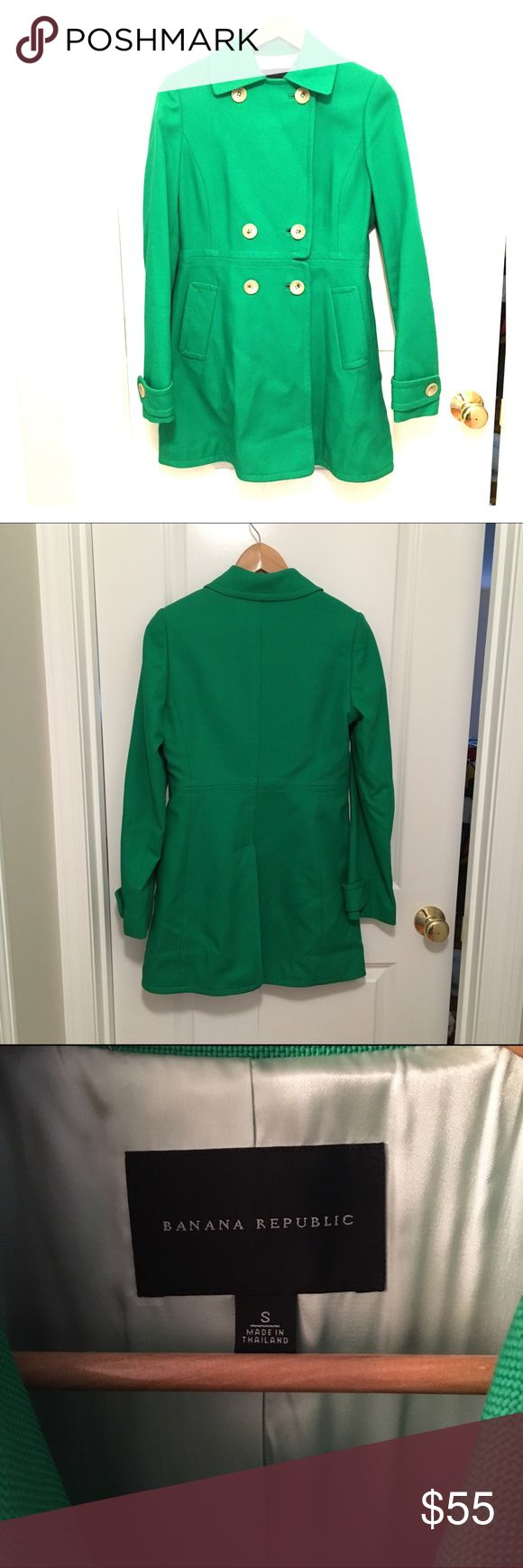 Banana Republic Kelly Green Peacoat Banana Republic Kelly Green Peacoat, size small. This jacket is perfect for the fall and is the perfect accessory to a white T and jeans :) Banana Republic Jackets & Coats Pea Coats
