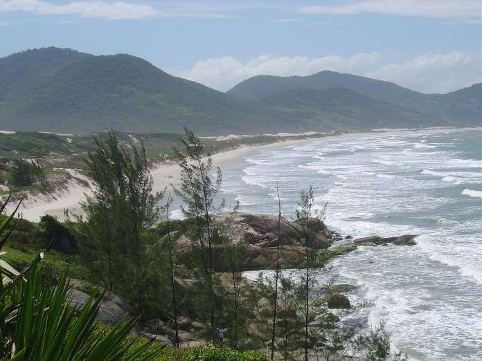 Praia do Siriú (Garopaba, Santa Catarina) - Situada no coração do Parque Estadual da Serra do Tabule... - Creative Commons/tmacam/Flickr