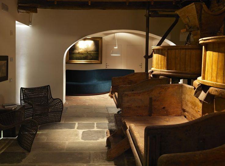 Hotel Mulino Grande - Cusago / Italy / 2013 architect Antonella Tesei - found on archilovers.com