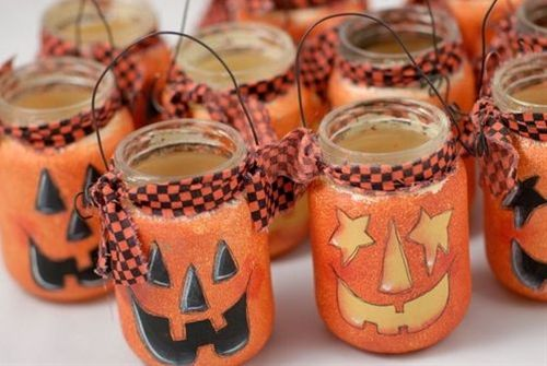 Halloween - Reuse Ecologic Cosmetics glass bottles and jars to make this scary sweet carriers