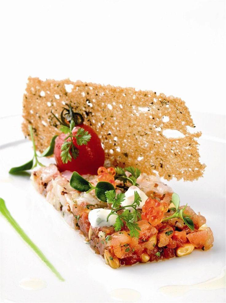 Tartar de cigalas con caviar de salmón. No podrás parar.