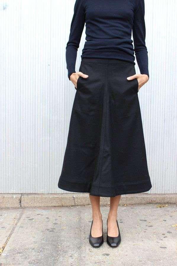 4da5a10877 Come abbinare le scarpe a una gonna lunga - Ballerine nere con gonna ...