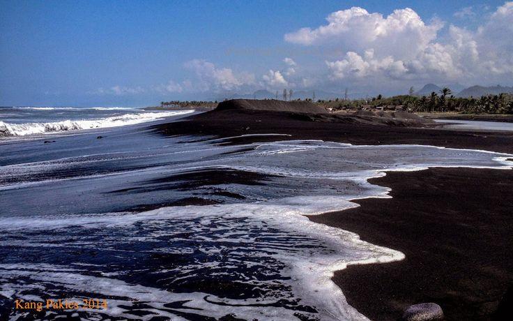Pantai Watu Pecak Lumajang | Almari Foto #lumajang #watu pecak #landscape