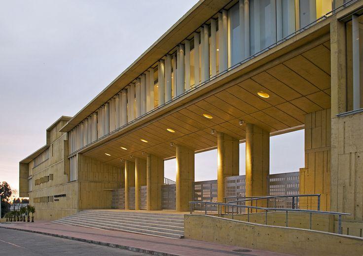Galería de Edificio MOPTT La Serena / Teodoro Fernández Arquitectos - 2