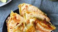 Quesadilla med ost og korianderpesto